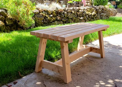 Plans On How To Construct Bench With 2 X 4