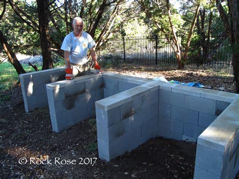 Plans-For-A-Cinder-Block-Compost-Bin