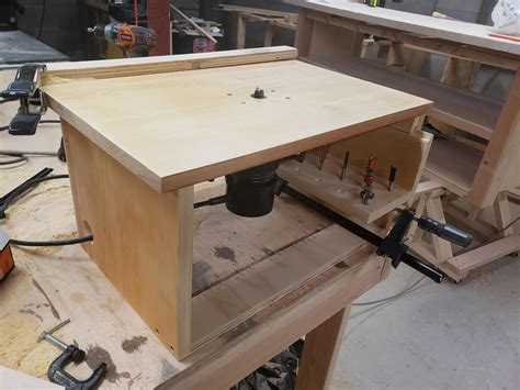 Plans-For-A-Simple-Router-Table