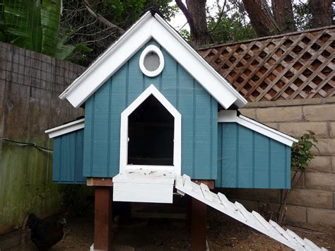 Plans-For-Converting-Dog-House-To-Chicken-Coop
