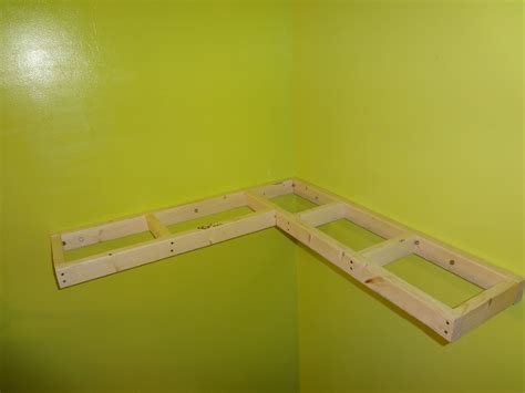 Plans-For-Floating-Corner-Shelves