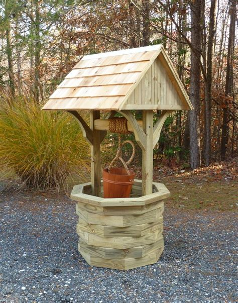 Plans-For-Wooden-Wishing-Well