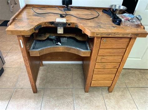 Plans-To-Build-A-Jewelers-Bench