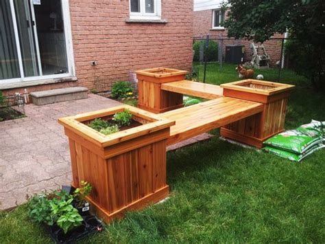 Planter-Box-Corner-Bench-Diy