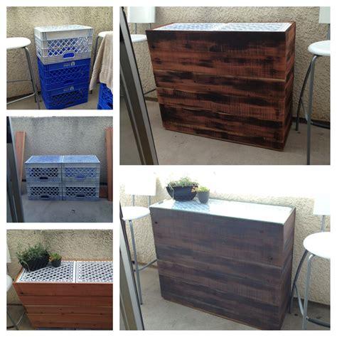 Plastic-Milk-Crate-Table-Diy