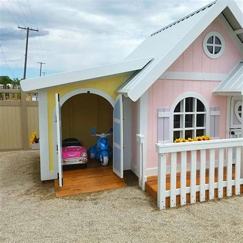 Playhouse-With-Garage-Plans