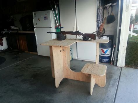 Plywood-Portable-Shooting-Bench-Plans