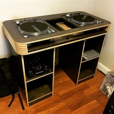 Portable Dj Table DIY