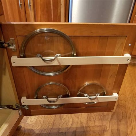 Pot-Lid-Rack-Woodworking-Plans