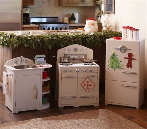 Pottery Barn Toy Kitchen Reviews