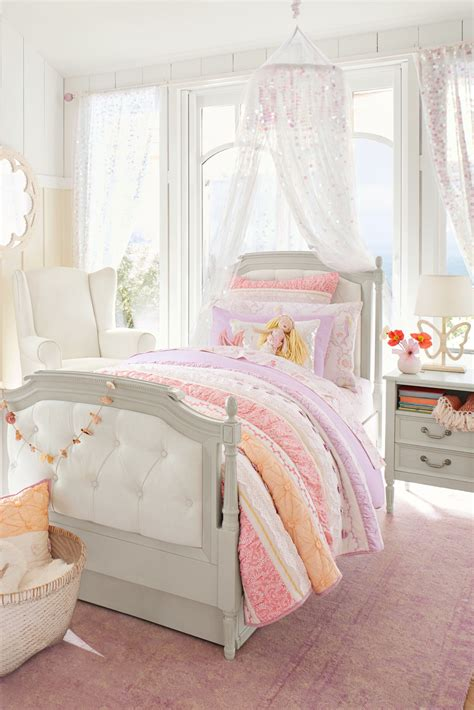 Pottery-Barn-Girls-Bed