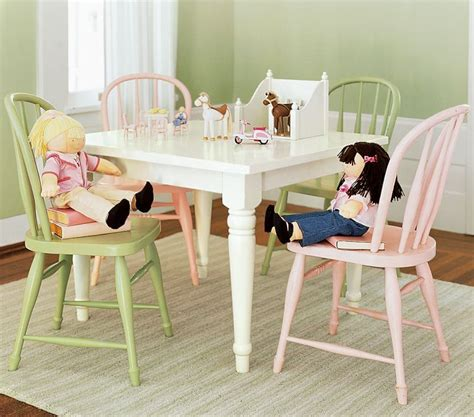 Pottery-Barn-Kids-Farm-House-Table