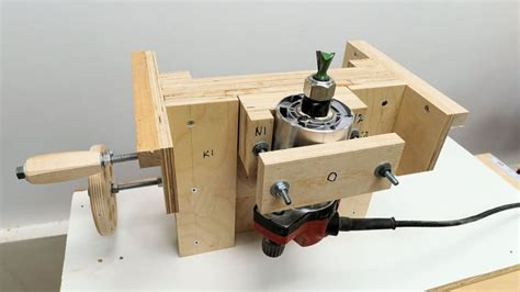 Precision Router Lift Plans