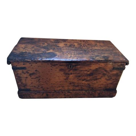 Primitive Blanket Chest Woodworking Plans