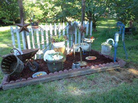 Primitive Garden Ideas