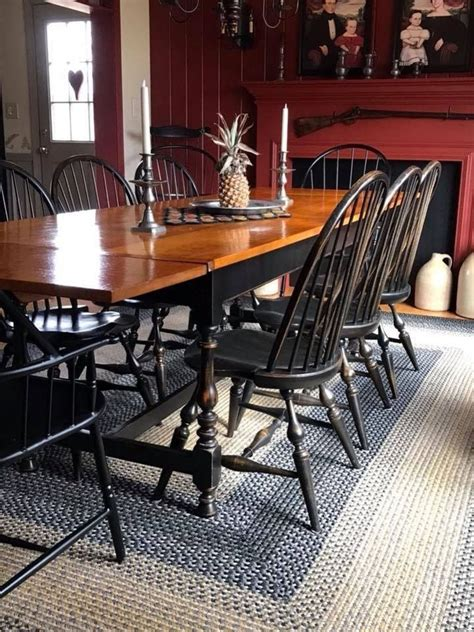 Primitive-Farmhouse-Table-And-Chairs