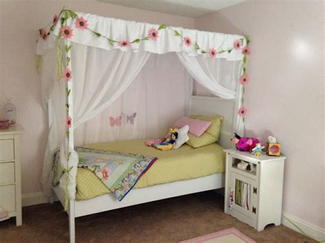 Princess-Canopy-Bed-Plans