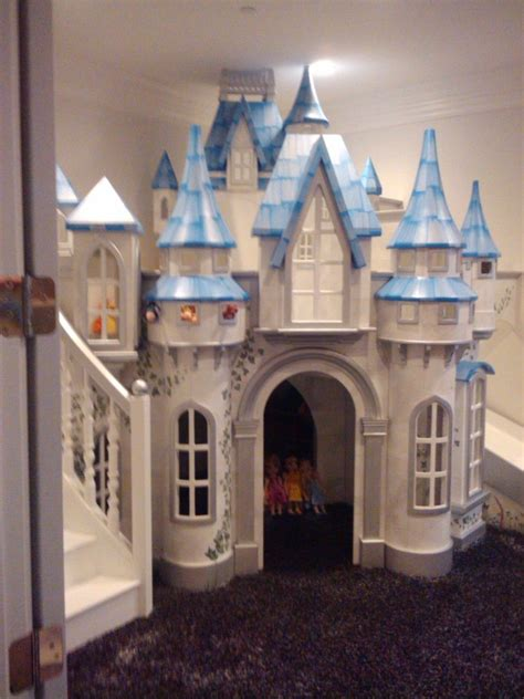 Princess-Castle-Playhouse-Diy