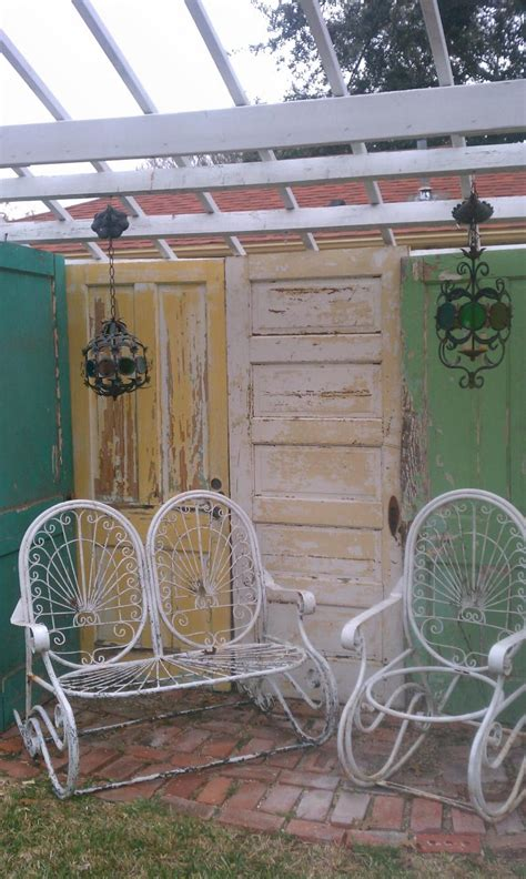 Projects-Using-Old-Wooden-Doors