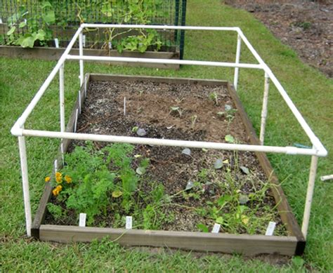 Pvc-Cold-Frame-Diy-On-Raised-Bed