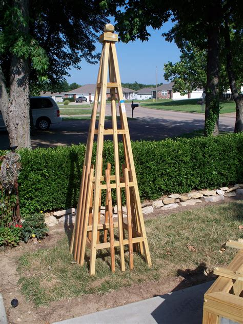 Pyramid Trellis Designs
