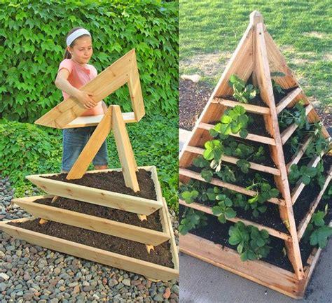 Pyramid-Garden-Planter-Plans