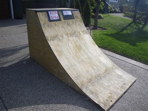Quarter Pipe Scooter Ramp