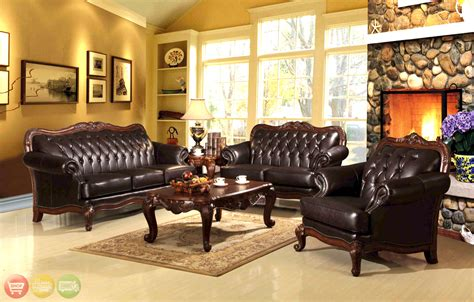 Queen-Anne-Style-Living-Room-Furniture