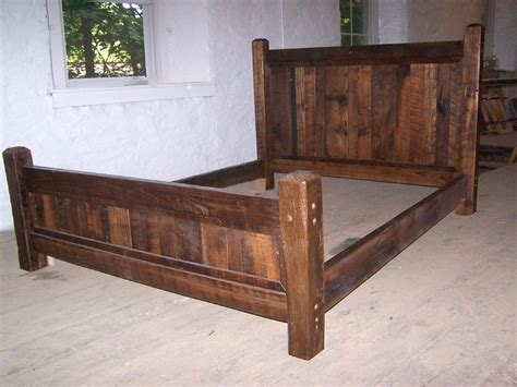 Queen-Size-Rustic-Bed-Frame-Plans