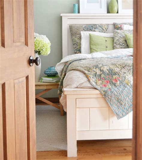 Queen-Sized-Farmhouse-Bed-Ana-White