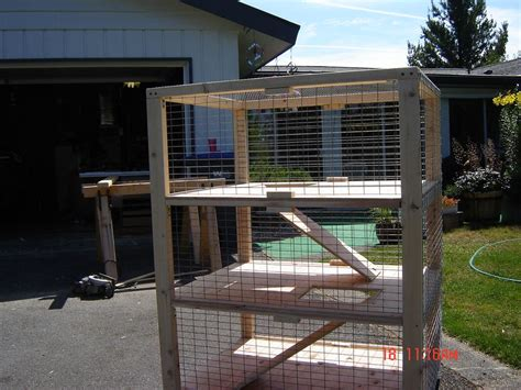 Rabbit-Hutch-Plans-For-3-Rabbits