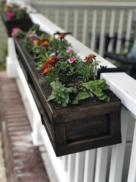 Railing-Flower-Box-Plans