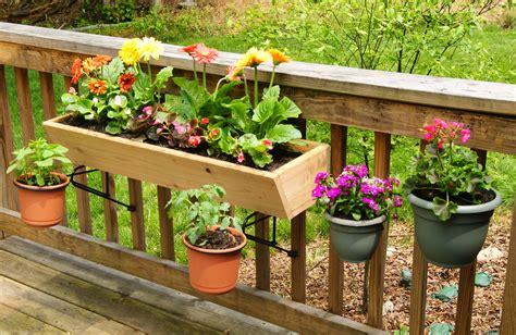 Railing-Planter-Box-Diy