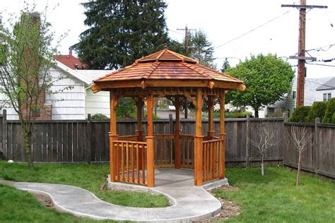 Rain-Shelter-For-A-Bench-Diy