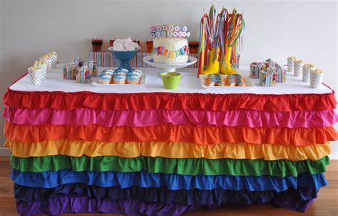 Rainbow-Table-Skirt-Diy