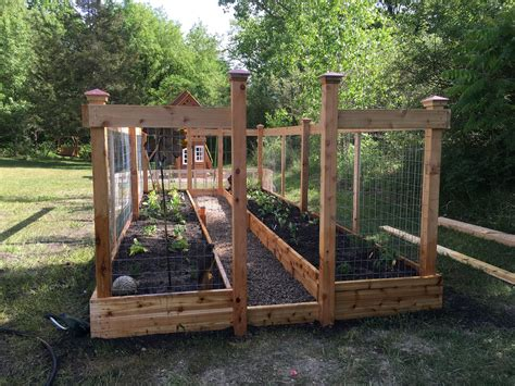 Raised Garden Bed With Fence Plans