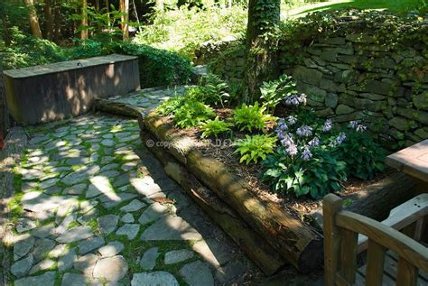 Raised-Bed-Plans-For-Shade-Gardens