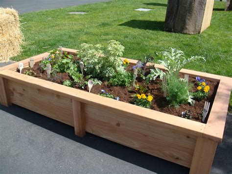 Raised-Garden-Beds-For-Patio-Plans