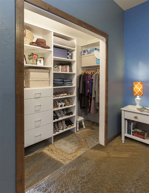 Reach In Closet Designs Ideas