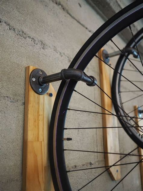 Reclaimed Wood On The Wall Diy Bike