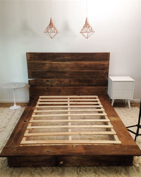 Reclaimed Wood Platform Bed Diy Designs