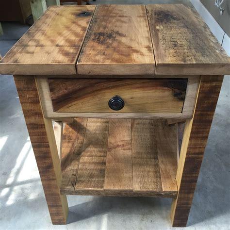 Reclaimed-Wood-End-Table-Diy
