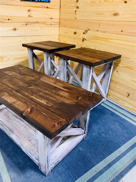 Red-And-White-Farm-Table