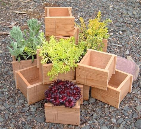 Red-Cedar-Planter-Box-Plans