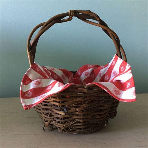 Red-Riding-Hood-Basket-Diy