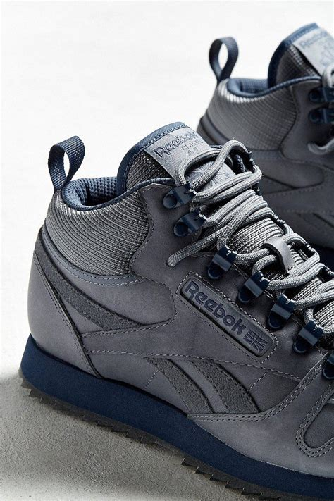 Reebok Classic Leather Mid Ripple Sneaker