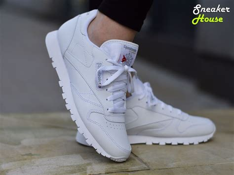 Reebok Women's Classic Leather Sneaker Lifestyle