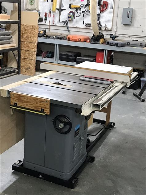 Rockwell table top saw Image