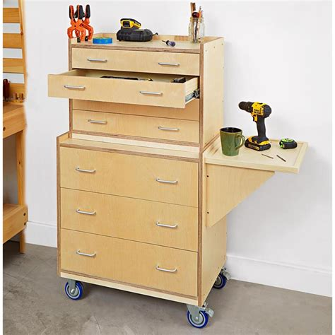 Rolling-Tool-Cabinet-Woodworking-Plans