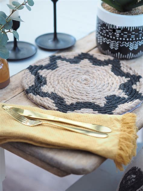 Rope-Placemats-Diy